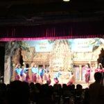 カンボジアダンスと泣きながらダンシング