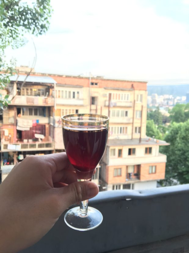 ベランダで自家製ワインを飲みましたが、めちゃくちゃ美味しかった。